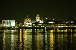 pan012-rheinpanorama-abends_small